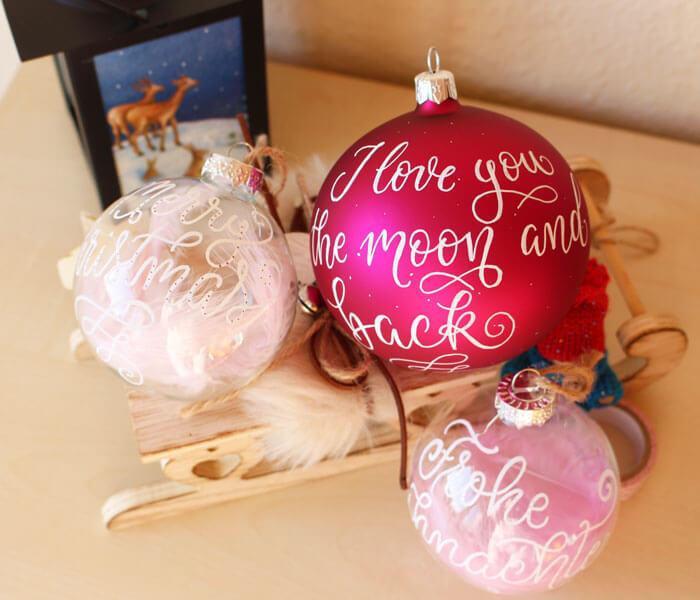 CalliLetters-Brushkalligrafie-Weihnachtskugeln
