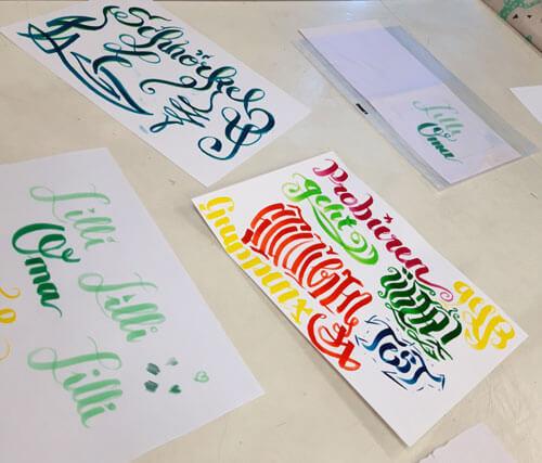 CalliLetters-Aufbaukurs-Handlettering-Zeichenfabrik-Artworks-von-Teilnehmern-Zeichenfabrik-Wien